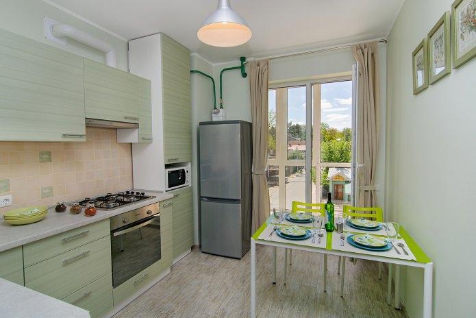 cuisine à l'intérieur d'un appartement d'une pièce 42 m²  m.
