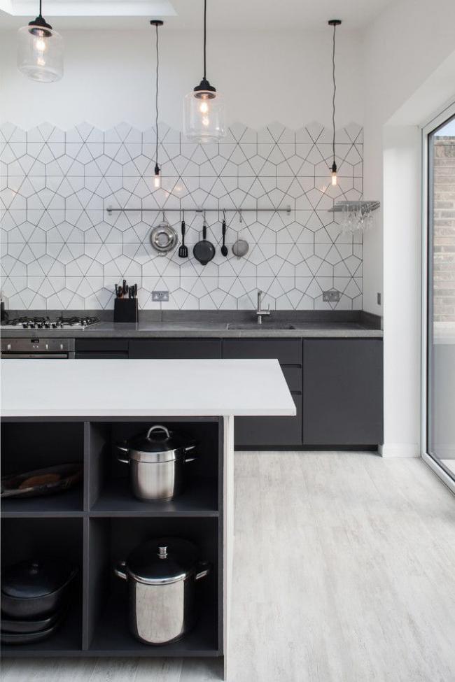 Design moderne de la zone de travail de la cuisine