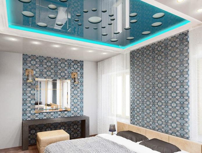 plafond sculpté à l'intérieur de la chambre