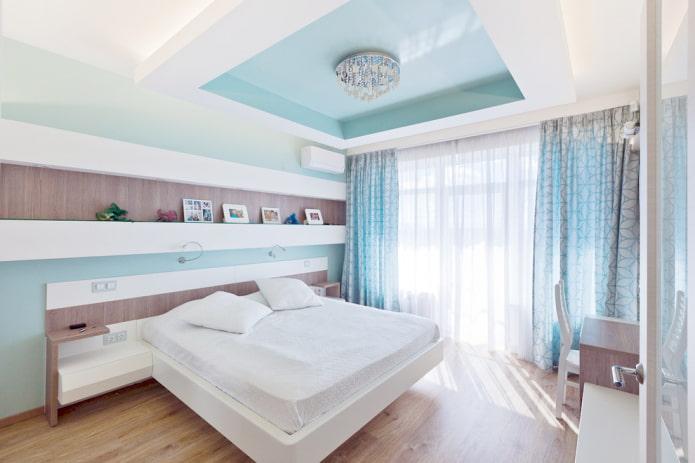 design de plafond bicolore dans la chambre