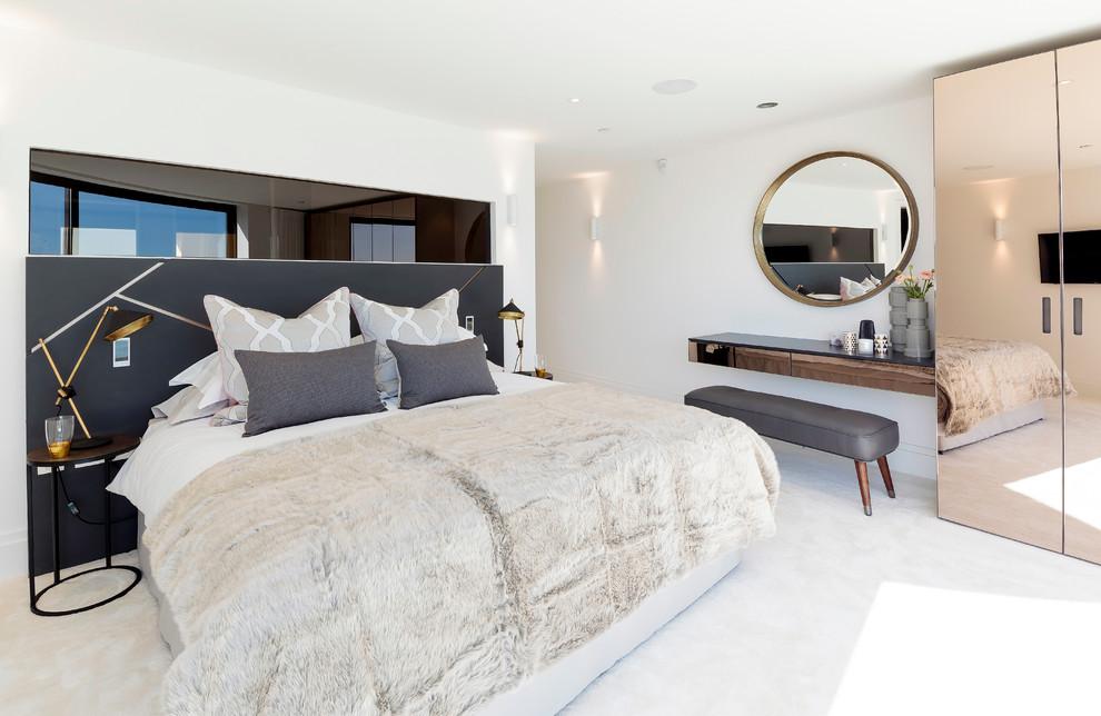 Petites lampes de chevet pour chevets dans la chambre à coucher moderne