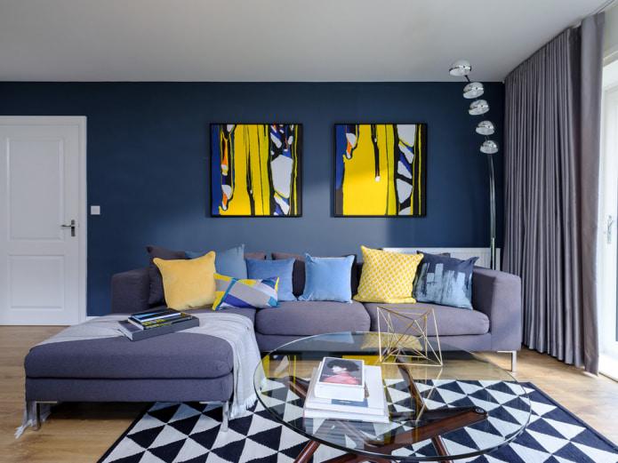 salon élégant dans une palette de gris et bleu