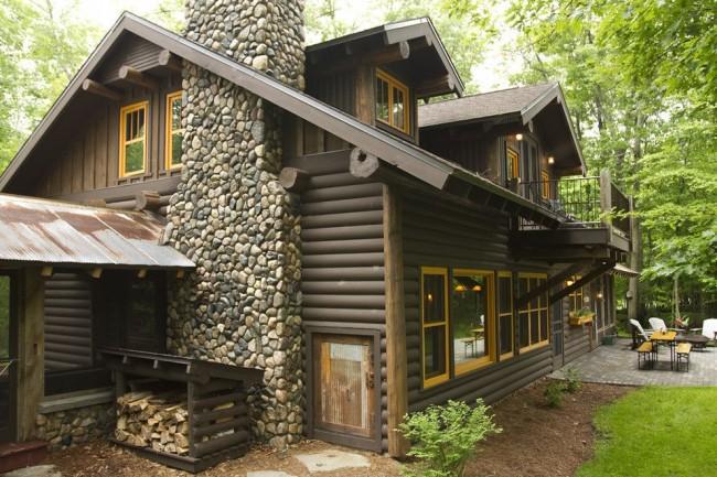 Une maison en rondins coûtera moins cher qu'une maison en brique ou en bois d'une superficie similaire