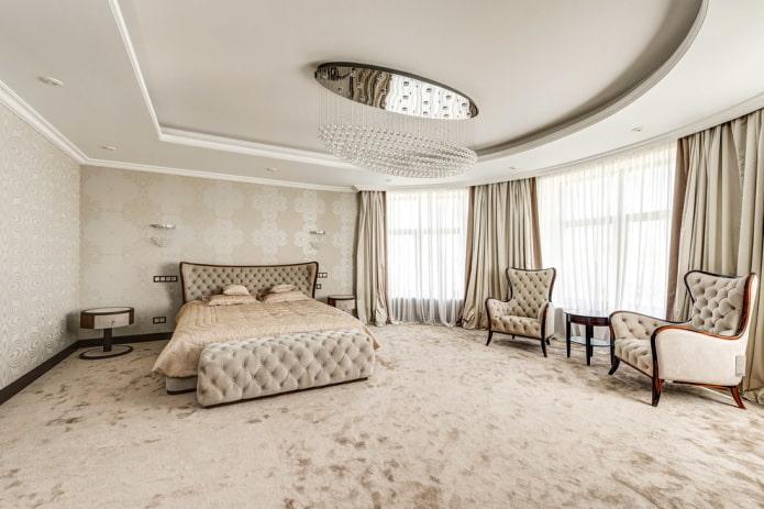 finition à l'intérieur de la chambre beige
