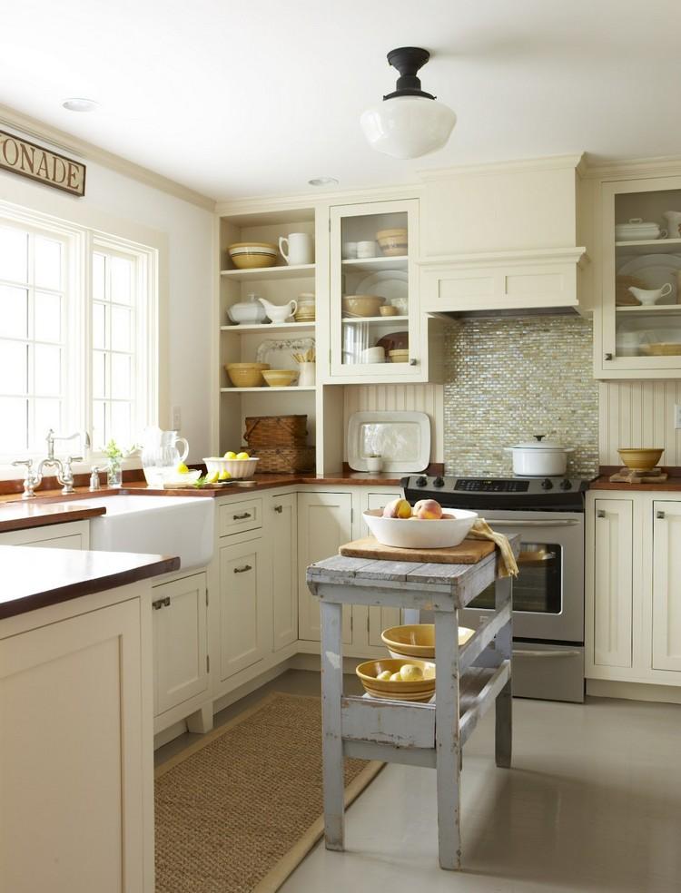 Des étagères ouvertes rendront la cuisine beaucoup plus légère et plus libre.