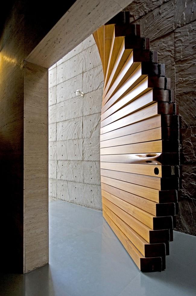 Superbe porte en bois
