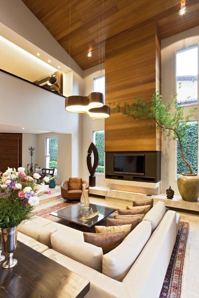 Salon moderne dans une maison privée à deux étages