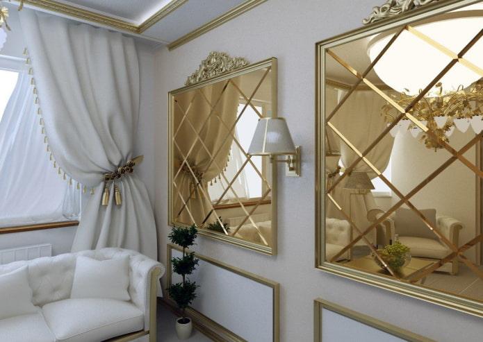 miroirs à facettes dans un cadre baguette à l'intérieur