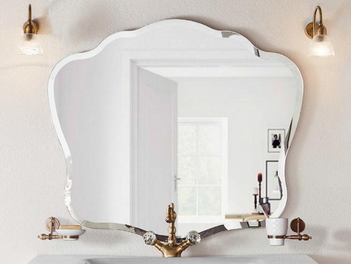 miroir à facettes bouclé à l'intérieur