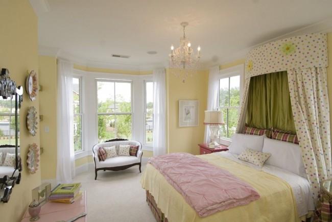 Petit balcon combiné avec une chambre