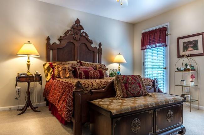 Une tête de lit chic apportera élégance et originalité à la pièce