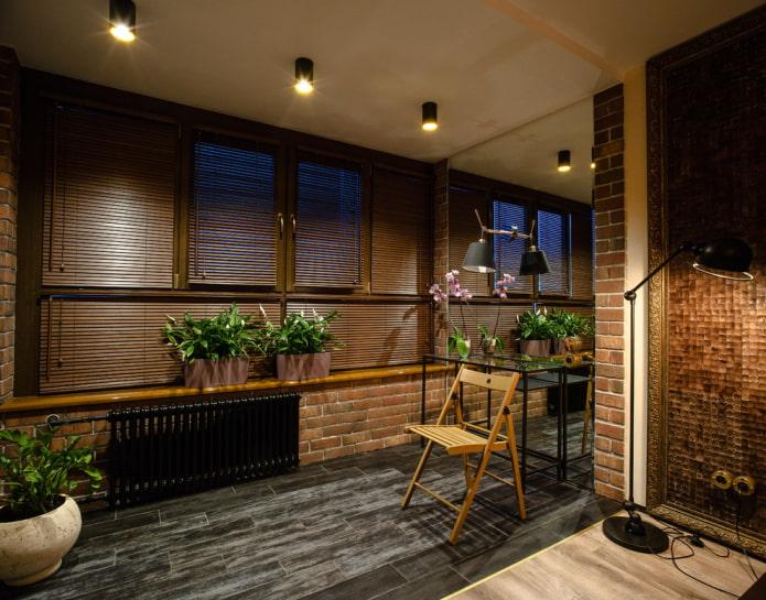 stores à l'intérieur dans le style loft