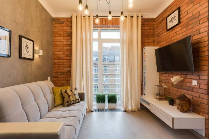 rideaux sur œillets dans le salon de style loft