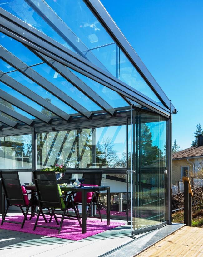 Véranda avec toit vitré