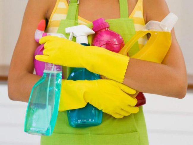 Aujourd'hui, il existe un grand nombre de produits chimiques sur le marché pour nettoyer les tuyaux des blocages, après avoir lu les instructions, vous pouvez choisir le plus nécessaire