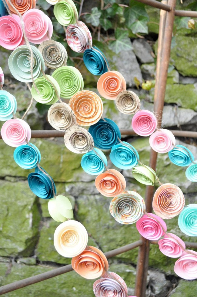 Guirlande lumineuse de fleurs en papier