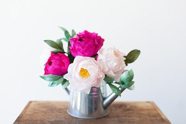 Fleurs en papier ondulé exquis