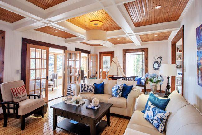 Le plafond joue un rôle énorme dans la décoration intérieure