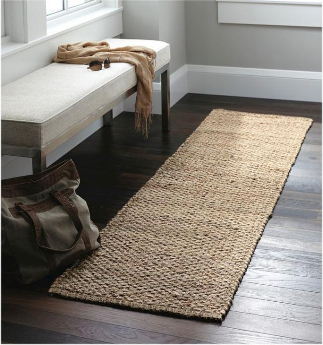 Un petit chemin de tapis rendra votre couloir plus cosy