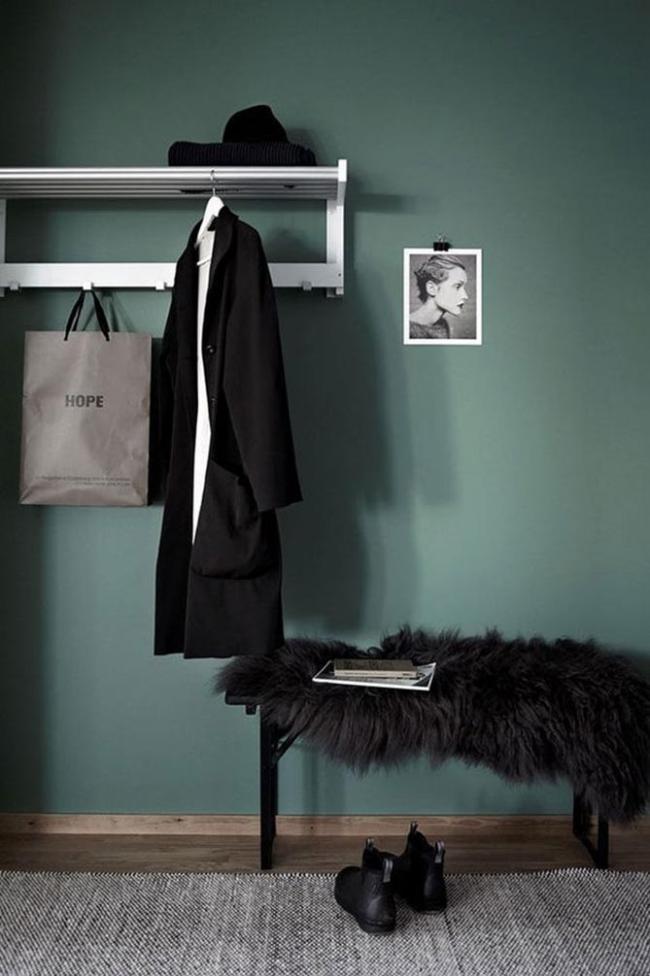 Tapis de laine dans un intérieur de couloir moderne
