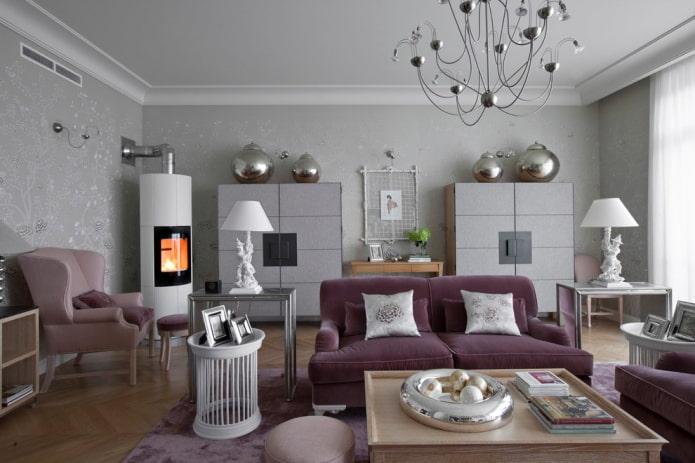 canapé violet dans la chambre grise
