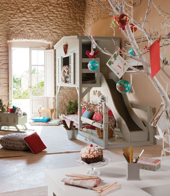 Un monde de conte de fées dans la salle de jeux des enfants