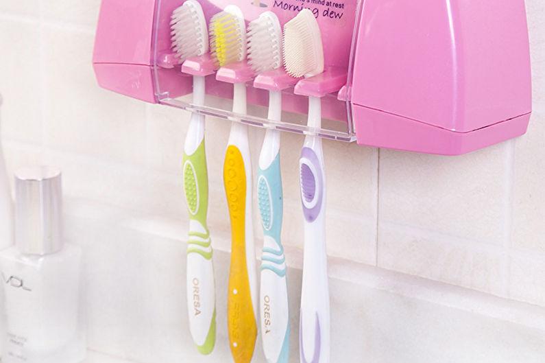 Accessoires de salle de bain - Contenants pour brosses à dents