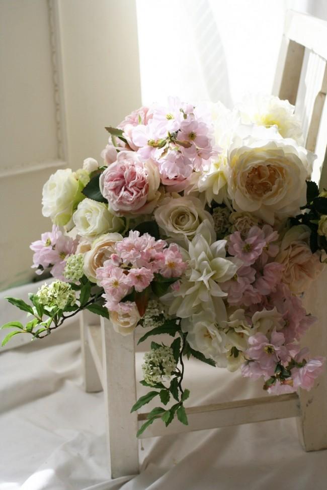 Aujourd'hui, nous pouvons profiter d'arrangements floraux de toute complexité.