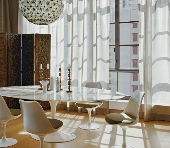 Paravent décoratif pour une chambre dans un intérieur neutre ultramoderne