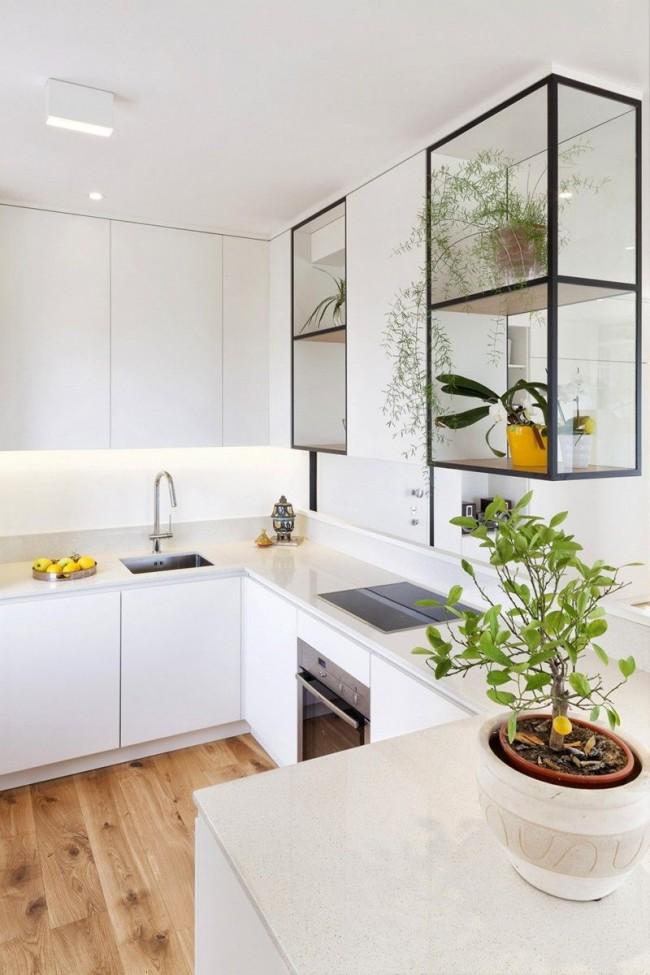 Pour les petites et moyennes pièces, la cuisine d'angle est l'option la plus pratique, car elle permet d'équiper la cuisine non seulement d'un évier et d'une cuisinière, mais également d'un plan de travail confortable.