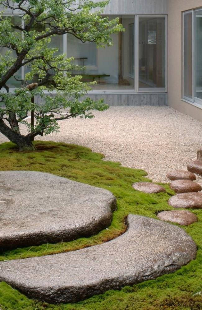 Allée de jardin en pierre naturelle