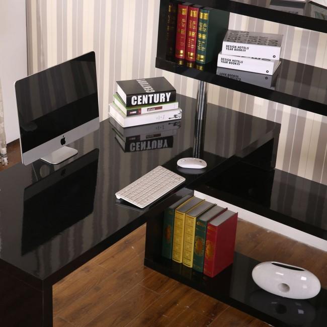 Le plateau rotatif permet à la table d'être positionnée à n'importe quel angle, pas seulement à 90 °.  Ou même organiser un lieu de travail linéaire