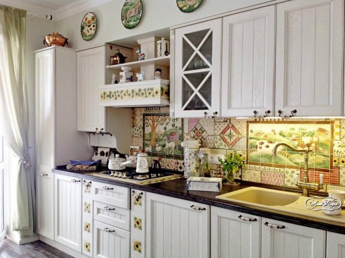 Carreaux patchwork dans la cuisine de style campagnard