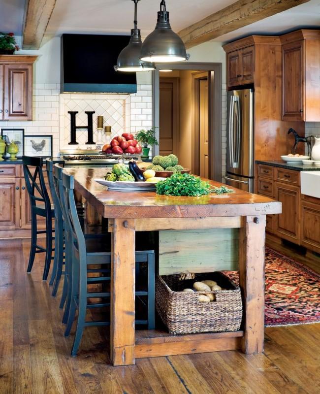 La cuisine de campagne est la chaleur et le confort des matériaux naturels