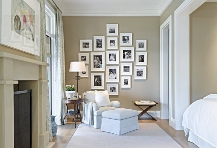 photographies dans des cadres sur le mur à l'intérieur