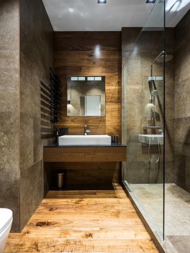Pour qu'une petite pièce devienne spacieuse et élégante, il est nécessaire de placer correctement les objets et de supprimer tous les objets inutiles.