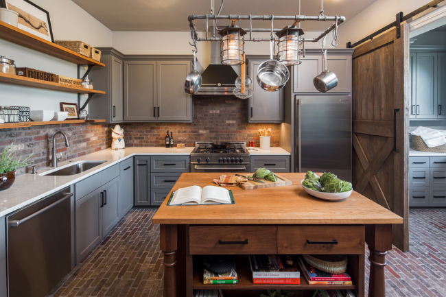 Toute femme au foyer rêve d'une cuisine spacieuse, mais tout le monde n'a pas un espace de vie assez grand, et dans ce cas, un ensemble de cuisine d'angle serait une excellente option.