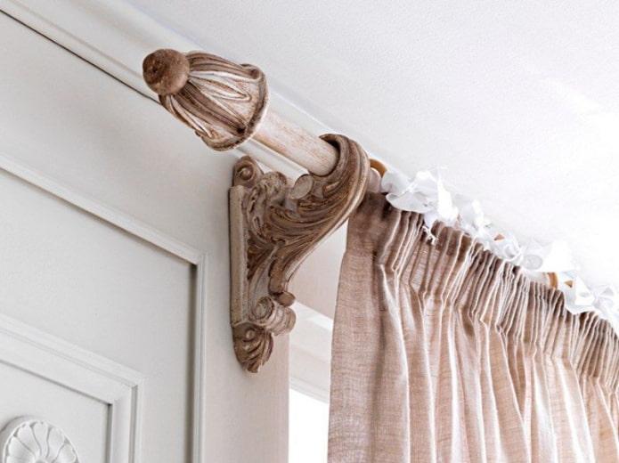 tringle à rideaux en bois