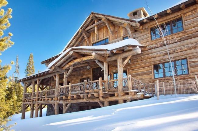 Les maisons en rondins arrondis sont une continuation moderne des traditions de l'architecture russe en bois