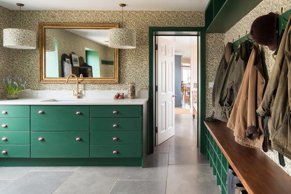 La couleur verte est parfaite pour la décoration intérieure du couloir.
