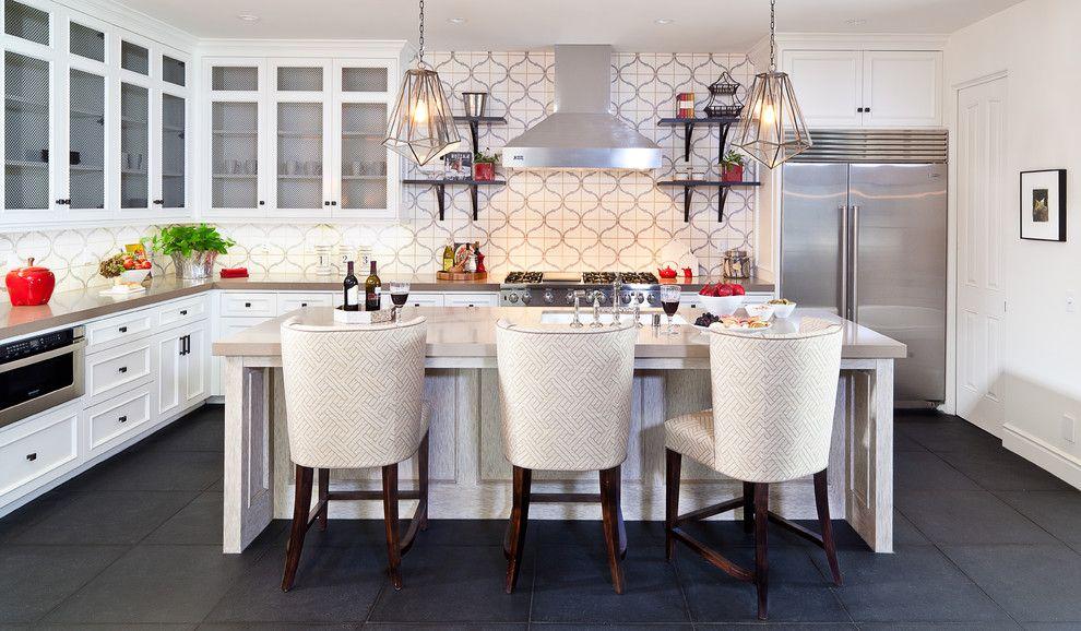 Le papier peint lavable est un matériau qui a un énorme potentiel décoratif pour la décoration des murs de la cuisine