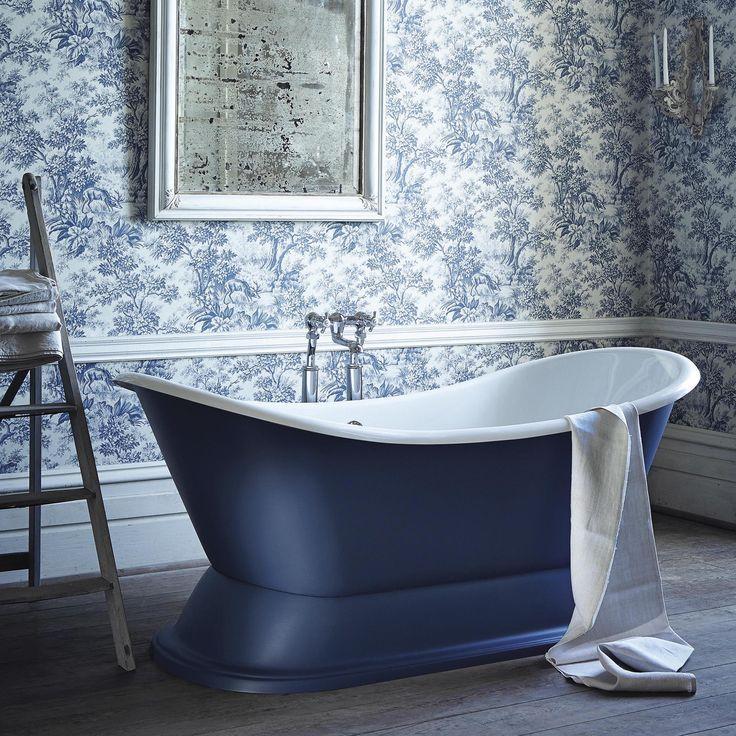 Malgré quelques inconvénients, par rapport au carrelage, le papier peint dans la salle de bain présente un certain nombre d'avantages indéniables.
