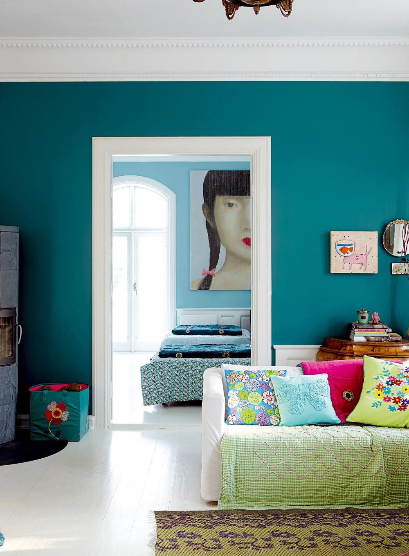 Photo 1 - Couleur turquoise profonde du mur