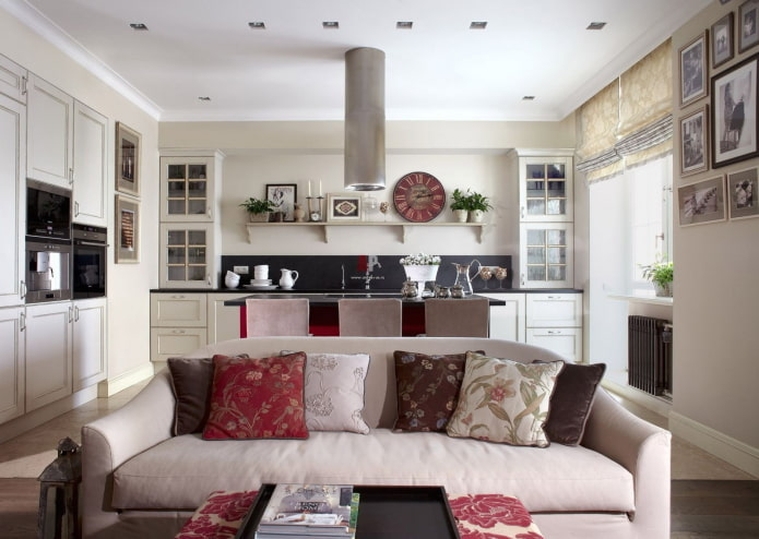 zonage du canapé à l'intérieur de la cuisine-salon