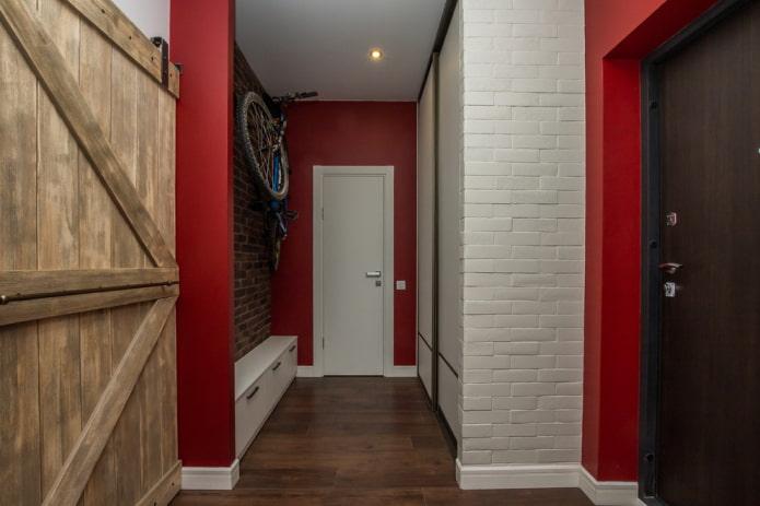 couleurs de l'intérieur du couloir dans un style industriel