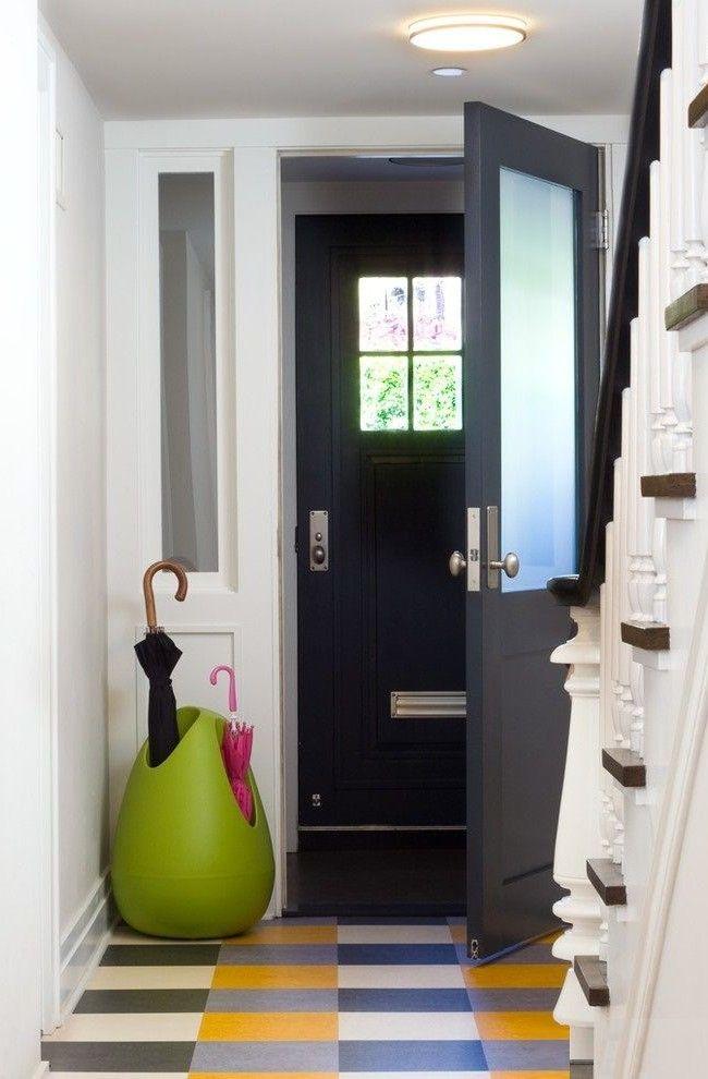 Linoléum multicolore dans le couloir