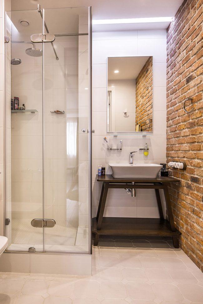 Maçonnerie dans la conception de salle de bain