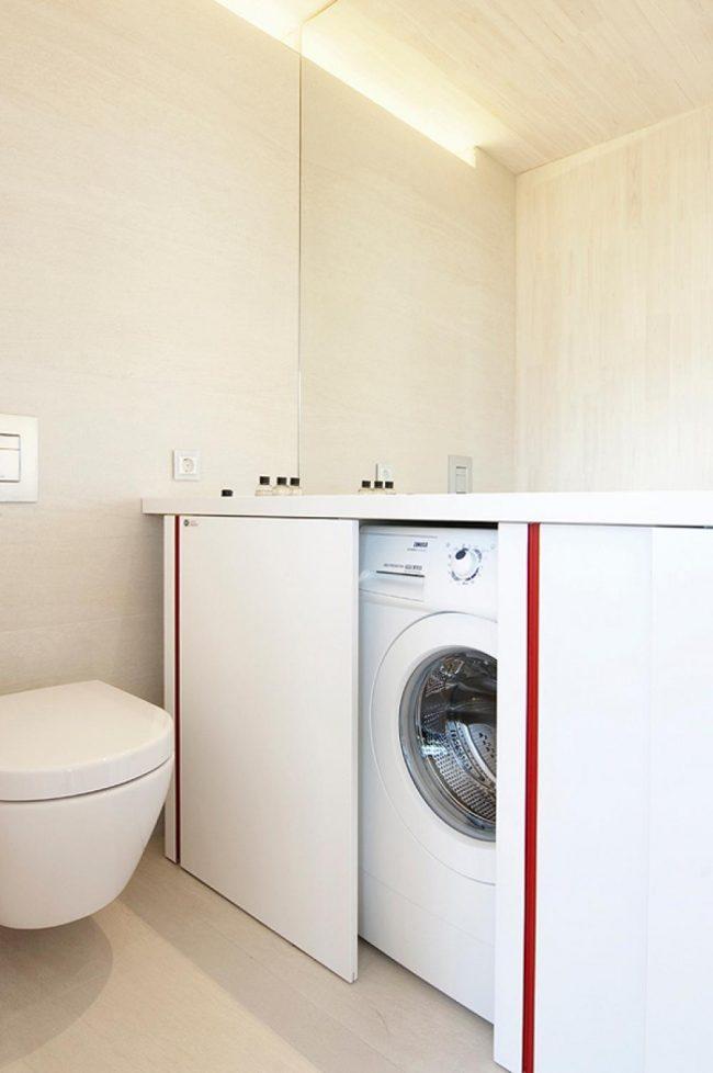 Les portes coulissantes aideront à cacher les gros appareils ménagers