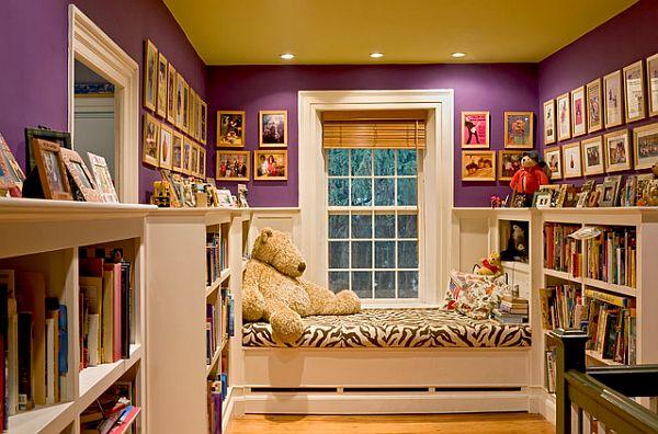 Le plafond mat jaune sature la chambre de bébé de chaleur et de confort