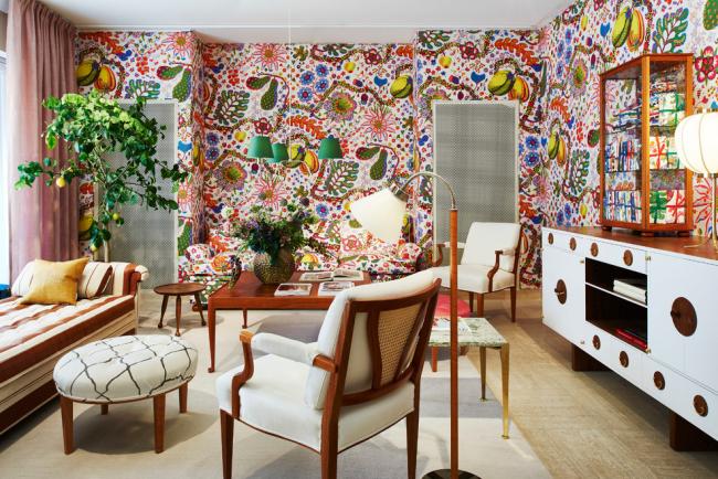 Éclectisme audacieux dans la décoration intérieure du salon
